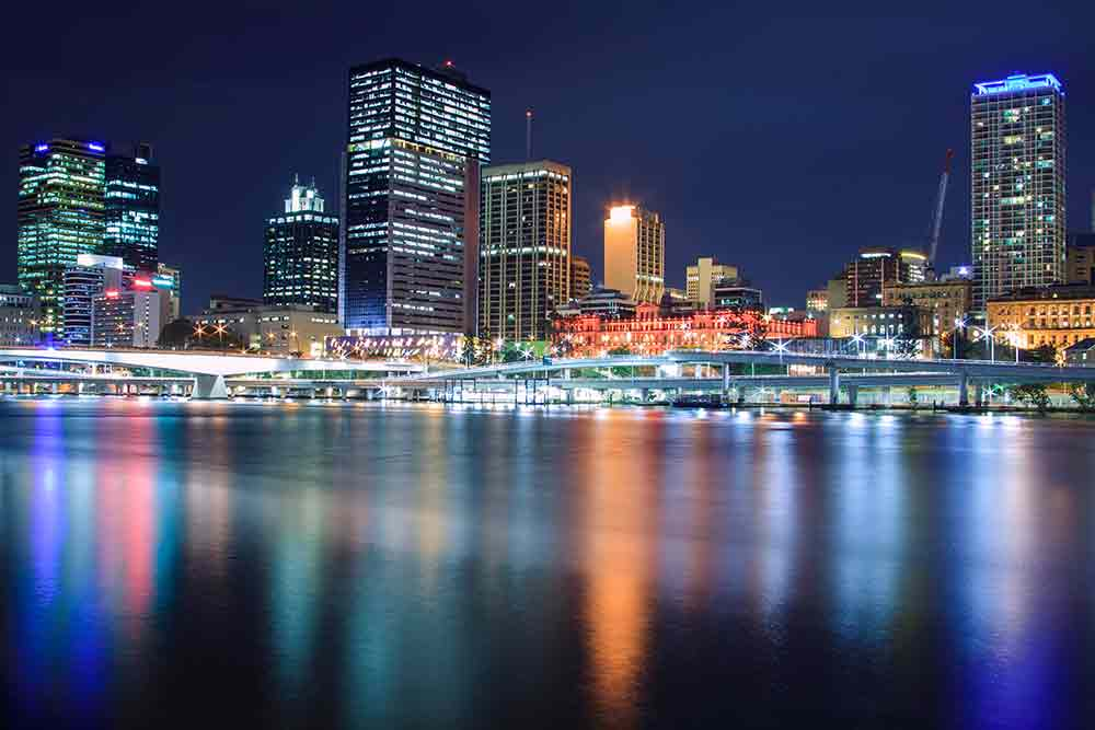 Brisbane at night - peter lloyd - car broker